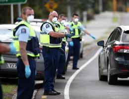 """""""Bức tường phòng thủ"""" giúp New Zealand dập Covid-19 trong 2 tuần"""
