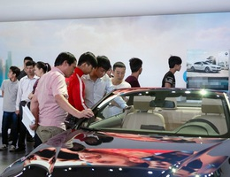 Cơ hội giảm lệ phí trước bạ: Xe rẻ, mua ô tô giảm cả trăm triệu