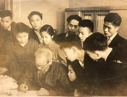 Ấn tượng của một nhà giáo sau những lần gặp Chủ tịch Hồ Chí Minh
