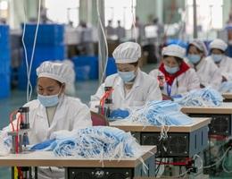"""Lừa đảo Trung Quốc: Làm giả chứng nhận máy thở, khẩu trang bán giá """"cắt cổ"""""""