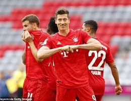 Lewandowski lập cú đúp, Bayern Munich hủy diệt Dusseldorf