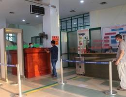 Cách ly 19 chuyên gia nước ngoài tới Lào Cai làm việc