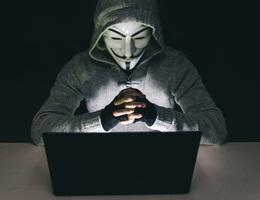Nhóm hacker khét tiếng Anonymous bị mạo danh để tấn công cảnh sát Mỹ