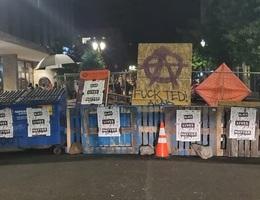 """Người biểu tình Mỹ vây quanh nhà thị trưởng, tính lập """"khu tự quản"""" mới"""