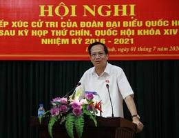 Bộ trưởng Đào Ngọc Dung lắng nghe ý kiến cử tri về đời sống, việc làm...