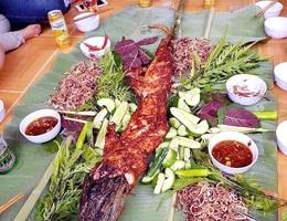 Cá sấu nguyên con rẻ như rau, nướng ăn liền ngày bán 2 tạ