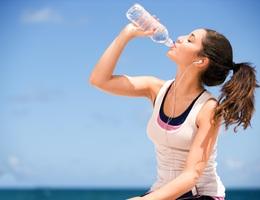 Ứng dụng di động giúp nhắc nhở người dùng uống nước đủ và đúng cách