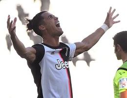 """C.Ronaldo và sự """"lột xác"""" để thích nghi với tuổi 35"""