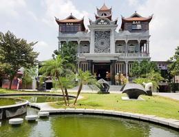"""Chiêm ngắm toà lâu đài đá """"có một không hai"""" ở Ninh Bình"""
