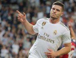 Tiền đạo Real Madrid bất ngờ phải cách ly khẩn cấp vì lo nhiễm Covid-19