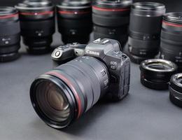 Canon ra mắt bộ đôi EOS R5, R6 mạnh mẽ với giá từ 58 triệu đồng