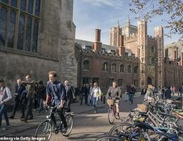 Anh: Các trường ĐH lo thất thu 760 triệu bảng vì sinh viên định hoãn học
