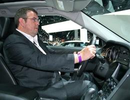 Hướng dẫn cách ngồi đúng tư thế khi lái xe ô tô