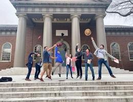 Gần 60 đại học Mỹ ủng hộ kiện chính quyền Trump về lệnh trục xuất sinh viên