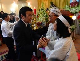 Chủ tịch nước Trương Tấn Sang viếng GS - TS Trần Văn Khê