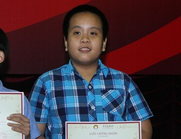 Đỗ Nhật Nam giành ngôi quán quân cuộc thi English Champion 2014