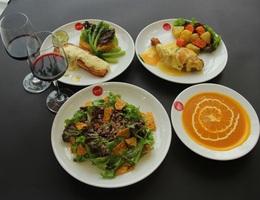 Giáng sinh ấm áp với thực đơn hấp dẫn tại Givral Café