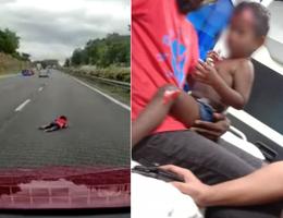 Bé 2 tuổi văng ra khỏi ô tô do va chạm xe trên đường cao tốc