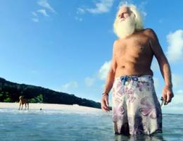 Triệu phú phá sản chuyển ra đảo hoang sống hơn 20 năm