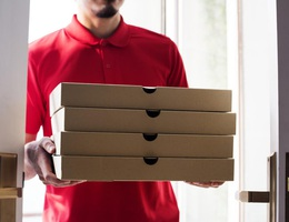 Gần 1 thập kỷ nhận pizza dù... không đặt hàng