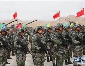 """Quân đội Trung Quốc cảnh báo nguy cơ """"chiến tranh"""" biên giới"""