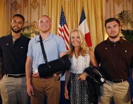 """Tổng thống Pháp vinh danh những """"người hùng"""" ngăn chặn thảm sát"""