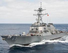 Mỹ đưa tàu chiến USS Benfold tới Nhật, có thể tuần tra Biển Đông