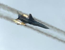 """Nga """"dư sức"""" tài trợ chiến dịch không kích thêm 1 năm"""