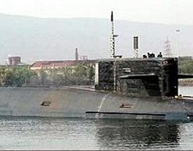 Tàu ngầm Ấn Độ tự chế sắp phóng tên lửa đạn đạo