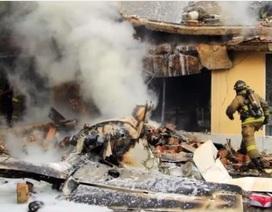 Máy bay rơi trúng tiệm bánh, 5 người thiệt mạng