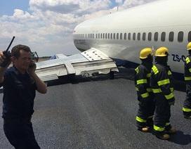 Máy bay bị gãy cần hạ cánh, lao xuống đường băng