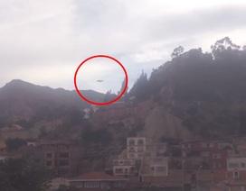 """Quay được cảnh """"đĩa bay"""" xuất hiện trên bầu trời Bolivia"""