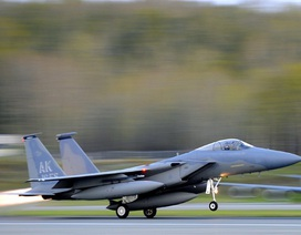 Mỹ cử 6 máy bay F-15 tập trận sát nách Nga