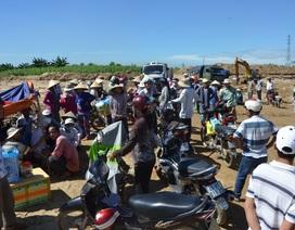 Lo cả làng bị cuốn trôi, hàng trăm người ngăn chặn khai thác cát