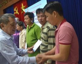 Hỗ trợ ngư dân bị tàu Trung Quốc cướp tài sản ở Hoàng Sa và Trường Sa