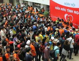 Hơn 2.000 sinh viên cùng tham gia hiến máu tình nguyện