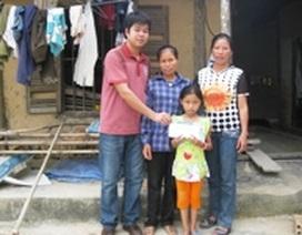 Tiếp tục trao hơn 26 triệu đồng đến em Nguyễn Thị Huyền