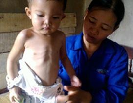 Thương bé gái 2 tuổi 5 lần mổ tim... hụt