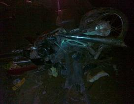 Bị ô tô kéo lê hơn 200m, hai thanh niên tử nạn