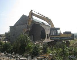 Ra quân cưỡng chế phá dỡ nhà xây dựng trái phép