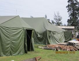 Dân dựng lều ven quốc lộ chờ nhà tái định cư