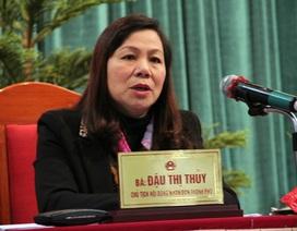 """Nữ Chủ tịch HĐND khiến các """"công bộc của dân"""" toát mồ hôi"""