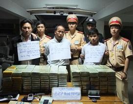 Bắt giữ 3 người nước ngoài vận chuyển 227 bánh heroin