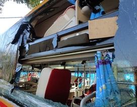 Ráo riết truy tìm thủ phạm vụ 5 xe khách bị ném đá