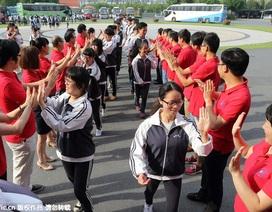 """9,42 triệu thí sinh thi ĐH, cả Trung Quốc """"căng mình"""" chuẩn bị"""