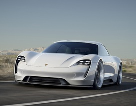 Porsche quyết tâm hạ bệ Tesla