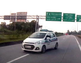 Liều mạng đi ngược chiều trên cao tốc Hà Nội - Thái Nguyên