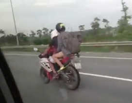 Lại chuyện xe máy vào đường cao tốc