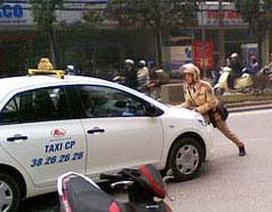 Tăng hình phạt lỗi lái xe không chấp hành tín hiệu giao thông