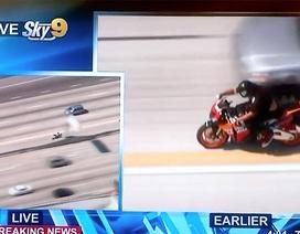 """Xem cảnh sát Mỹ truy đuổi """"quái xế"""" trên cao tốc"""
